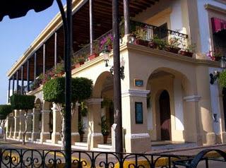 La Casa De Los Canobbio Y Sus Portales
