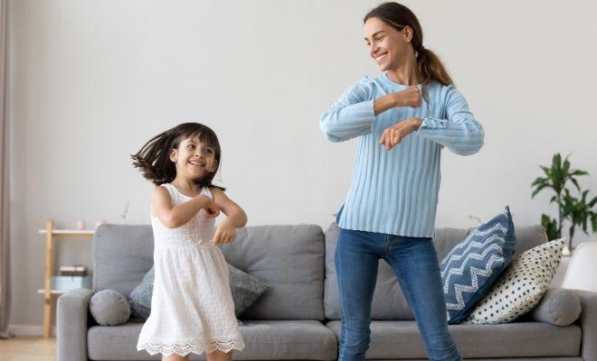 Covid 19, Aislamiento En Casa Y Fomento De La Inmunidad