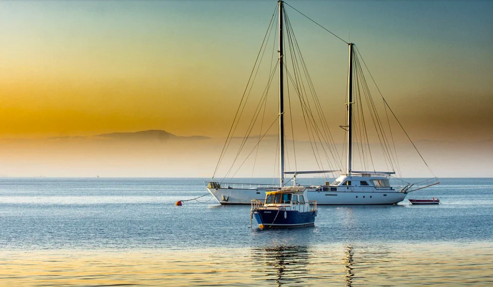 ¿Por Qué Alquilar Un Barco Para Recorrer Las Aguas De México?